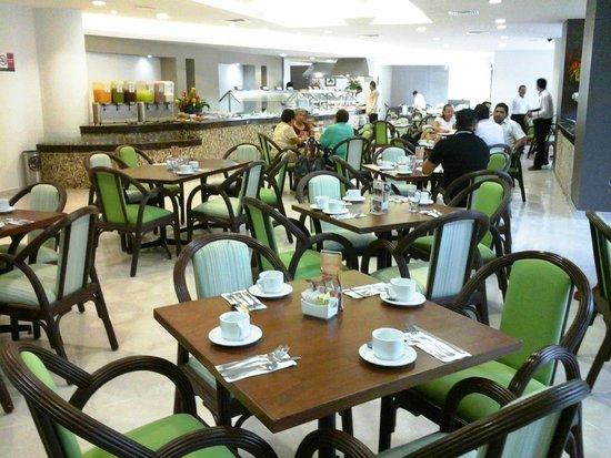 Hotel El Conquistador: restaurante
