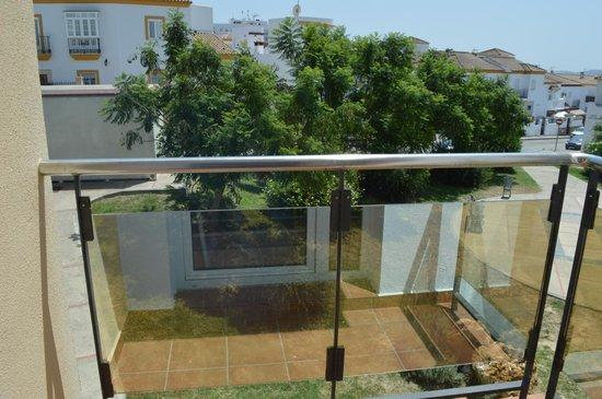 Hotel ATH Al-Medina Wellness: Terraza.