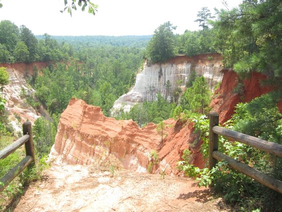 Plains Historic Inn: Providence Canyon State Park