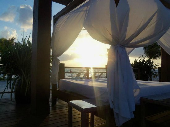 Excellence Playa Mujeres: X-Lounge bed at sunrise