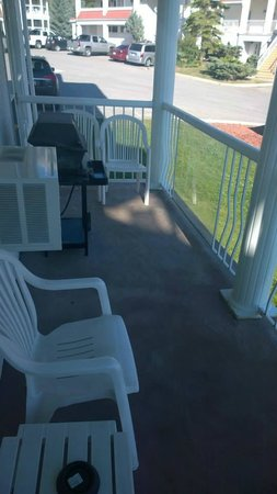 Sunchaser Vacation Villas at Riverside: The deck space.