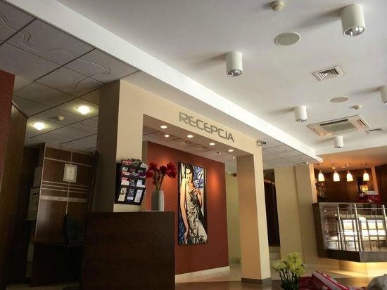 Ascot Hotel : Reception