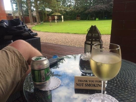 Brucefield Boutique B & B: chilling on the verandha