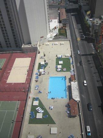 Plaza Hotel & Casino: Vista do quarto para a piscina
