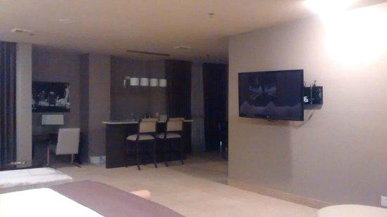 Plaza Hotel & Casino: TV e região da cozinha