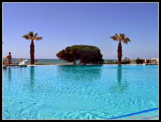 Grand Muthu Oura View Beach Club: A most magnificent swimming pool
