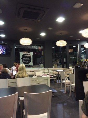 Can Cervera by La Croqueta : Restaurant al segon torn.