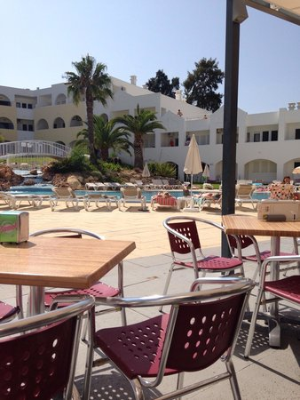 Natura Algarve Club: The view from the bar