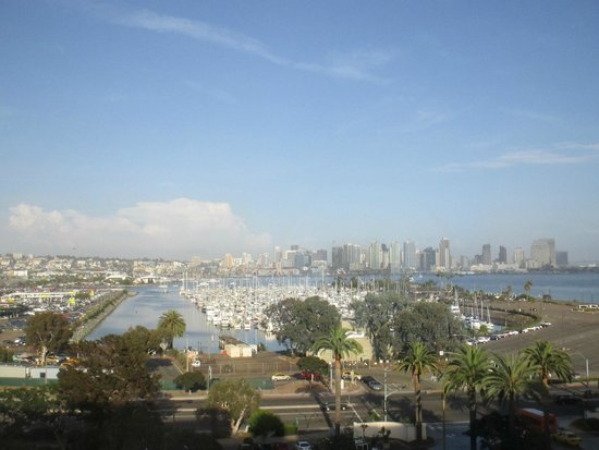Sheraton San Diego Hotel & Marina: View of downtown San Diego from room in Marina Tower