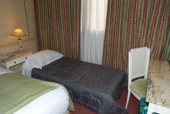 Mercure Madrid Plaza de Espana: habitacion