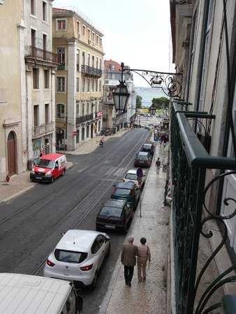 Hall Chiado: Street view from hotel room (and Tejo river)