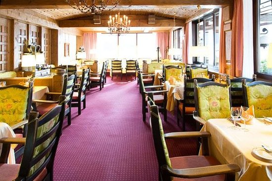 Schlosshotel Doerflinger: Restaurant mit viel Atmosphäre und Stil