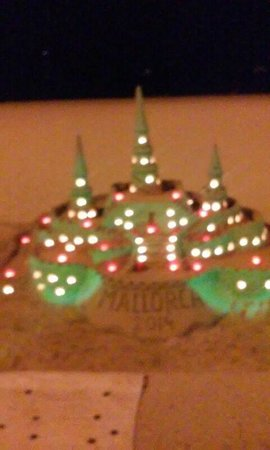 Hotel whala!balmes: Castillo arena noche