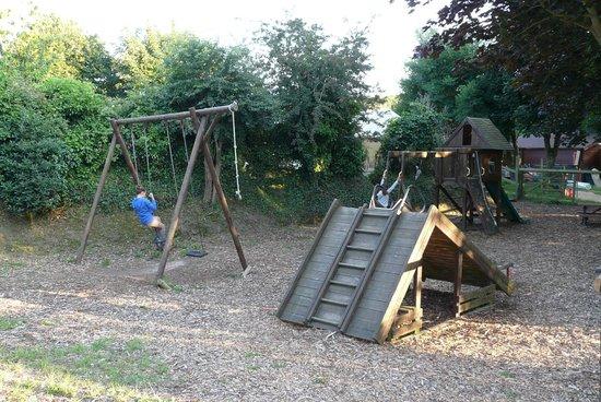 Fauxquets Valley Farm Camping: jeux enfants