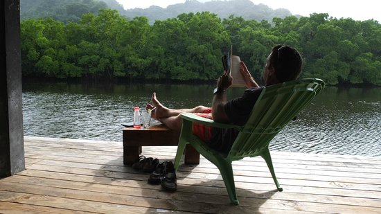 Pacific Treelodge Resort: Spot to read and relax by the water.