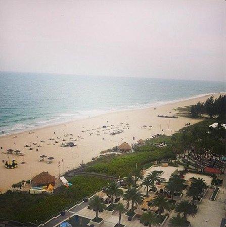 Fort Lauderdale Marriott Harbor Beach Resort & Spa: Vista da praia