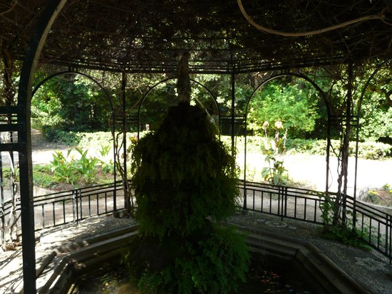 National Gardens: fontaine