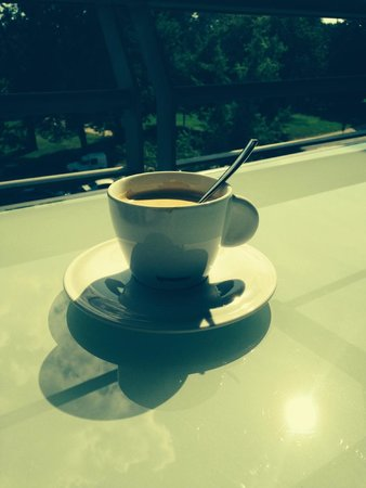 Hotel Parc Beaumont : coffee on the balcony