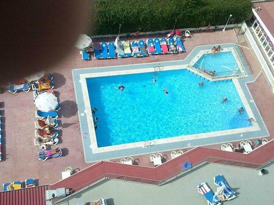 Servigroup Nereo: la piscina desde la habitacion