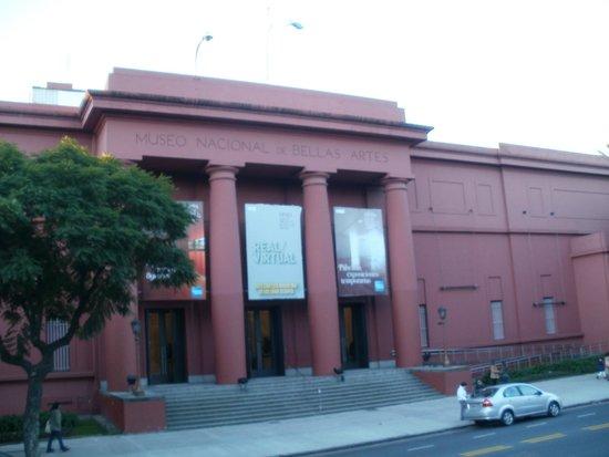 Musée national des beaux-arts : ---