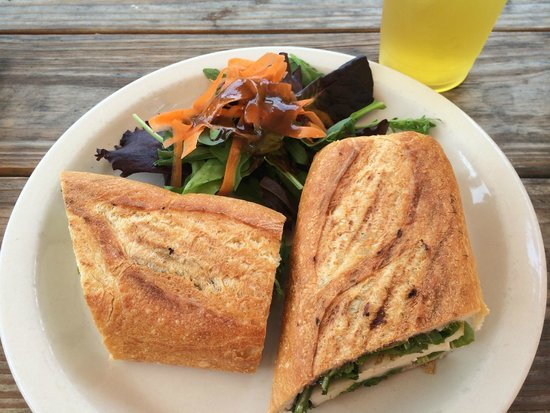 'Snice: brie & pear panini