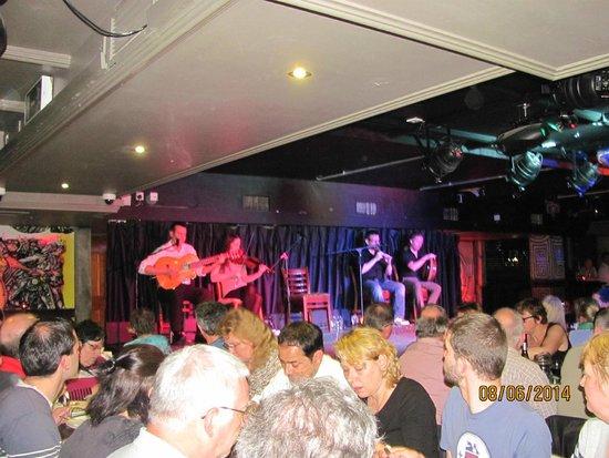 Parliament Hotel: Irish music and dance show at Arlington Hotel Dublin