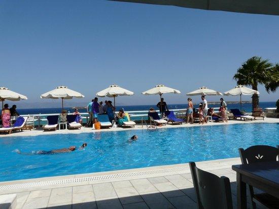 Saint George Hotel: piscine