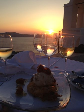 Aigialos Hotel: Dinner during sunset