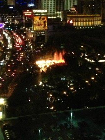 Treasure Island - TI Hotel & Casino : Volcano at night