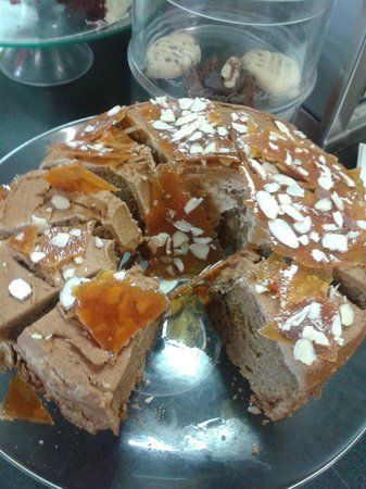 Little Kitchen on the bay: Coffee Caramel Cake with Almonds