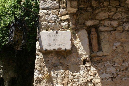 Vieux Eze: Placa toponimica