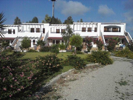 Tenuta Li Fani: Residence con giardino