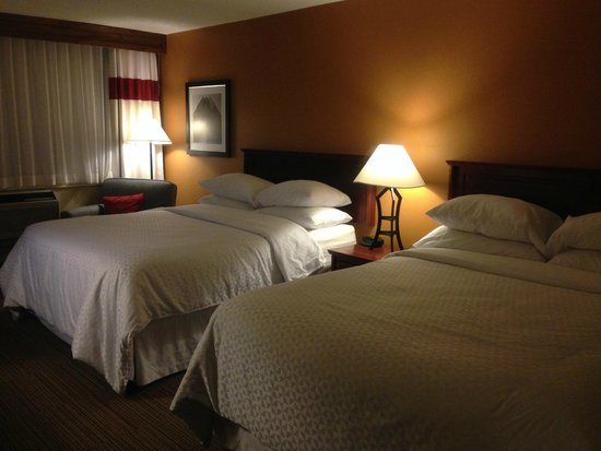 Four Points by Sheraton Halifax : 部屋