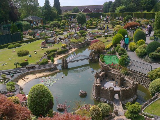 Bekonscot Model Village : Overall view