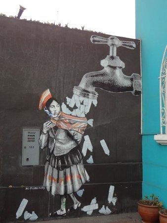 Red Llama Eco Hostel: Arte no muro