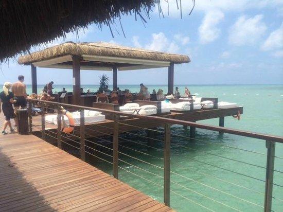 Gloria Serenity Resort : Steg über dem Meer
