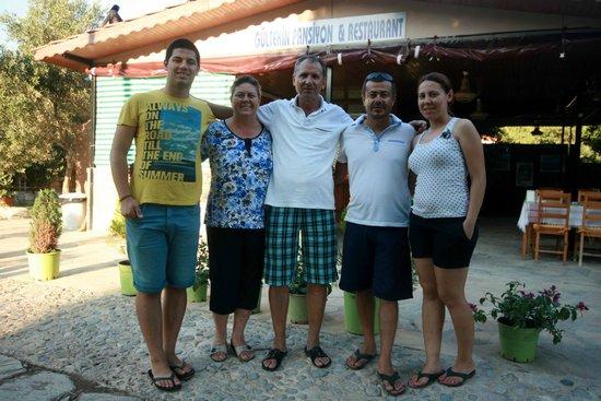 Gultekin Pension: Gültekin Ailesi