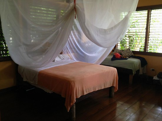 Casa Cayuco: Out bed