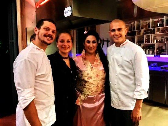 Spoonik Club: Los Chefs de Spoonik y una dama muy talentosa.