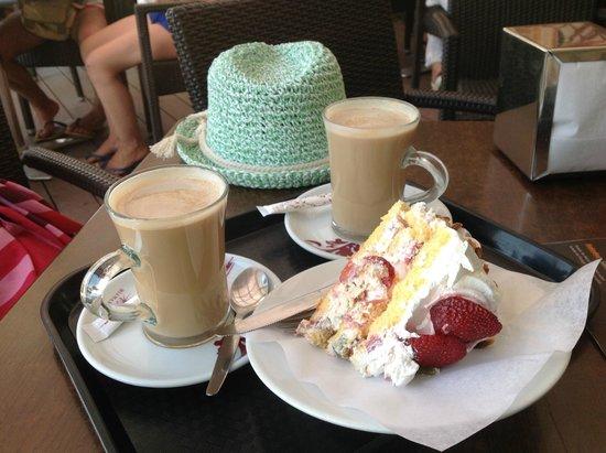 Ondamar Aparthotel: Afternoon coffee