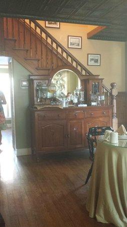 Agustin Inn: Sideboard in Dining Room