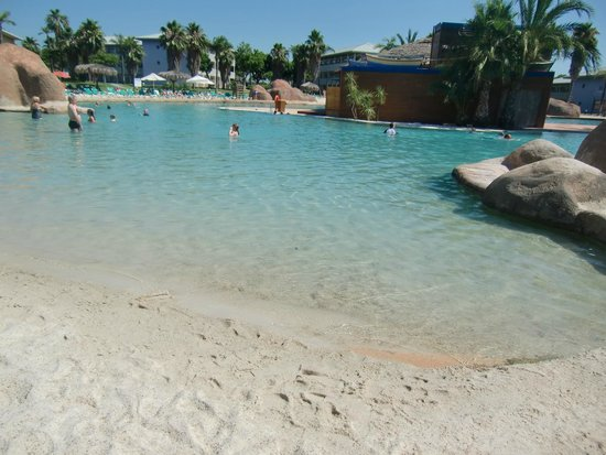 PortAventura Hotel Caribe: piscine sable