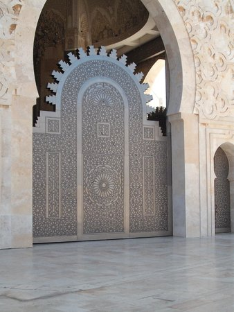 Mosquée Hassan II : One of the Mosque doorways