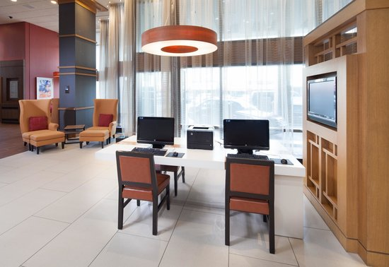 Rochester Marriott Mayo Clinic Area: Business center
