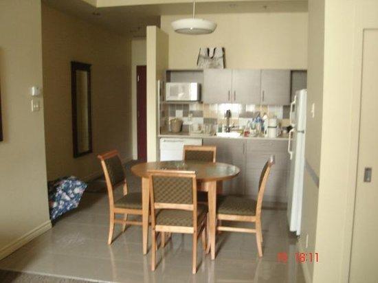 Le Square Phillips Hotel & Suites : Cozinha completa e prática