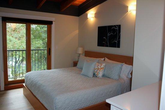 Mariner's Loft: Master Bedroom