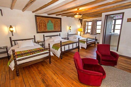 Hacienda- Hosteria Chorlavi: HABITACION TRIPLE