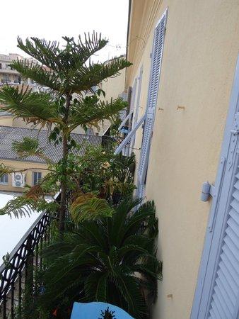 Hotel Wilson: Ruhiger Balkon nach hinten