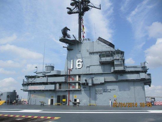 Best Western Corpus Christi : USS Lexington
