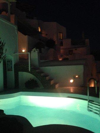 Fanari Villas: Pool at night